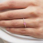 prsten-ruzovy-safir-diamanty-ruzove-zlato-klenota